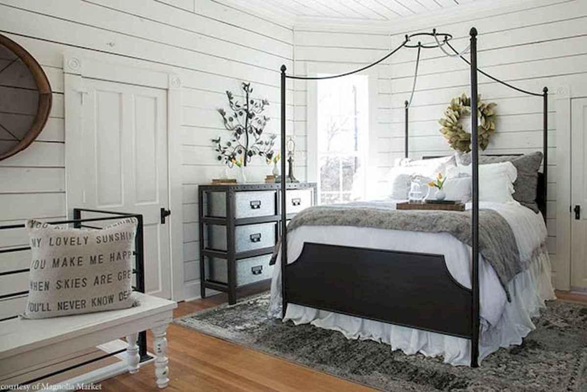 40 Modern Farmhouse Bedroom Decor Ideas and Makeover (27)