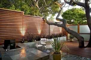 70 Gorgeous Backyard Privacy Fence Decor Ideas on A Budget (20)