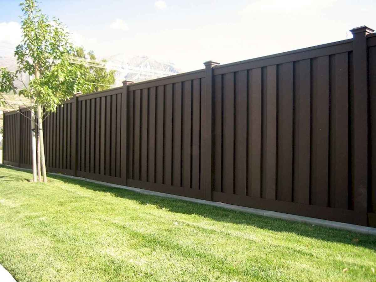 70 Gorgeous Backyard Privacy Fence Decor Ideas on A Budget (4)