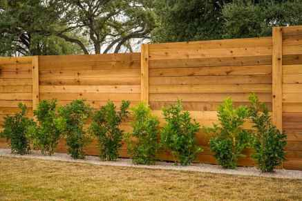 70 Gorgeous Backyard Privacy Fence Decor Ideas on A Budget (59)