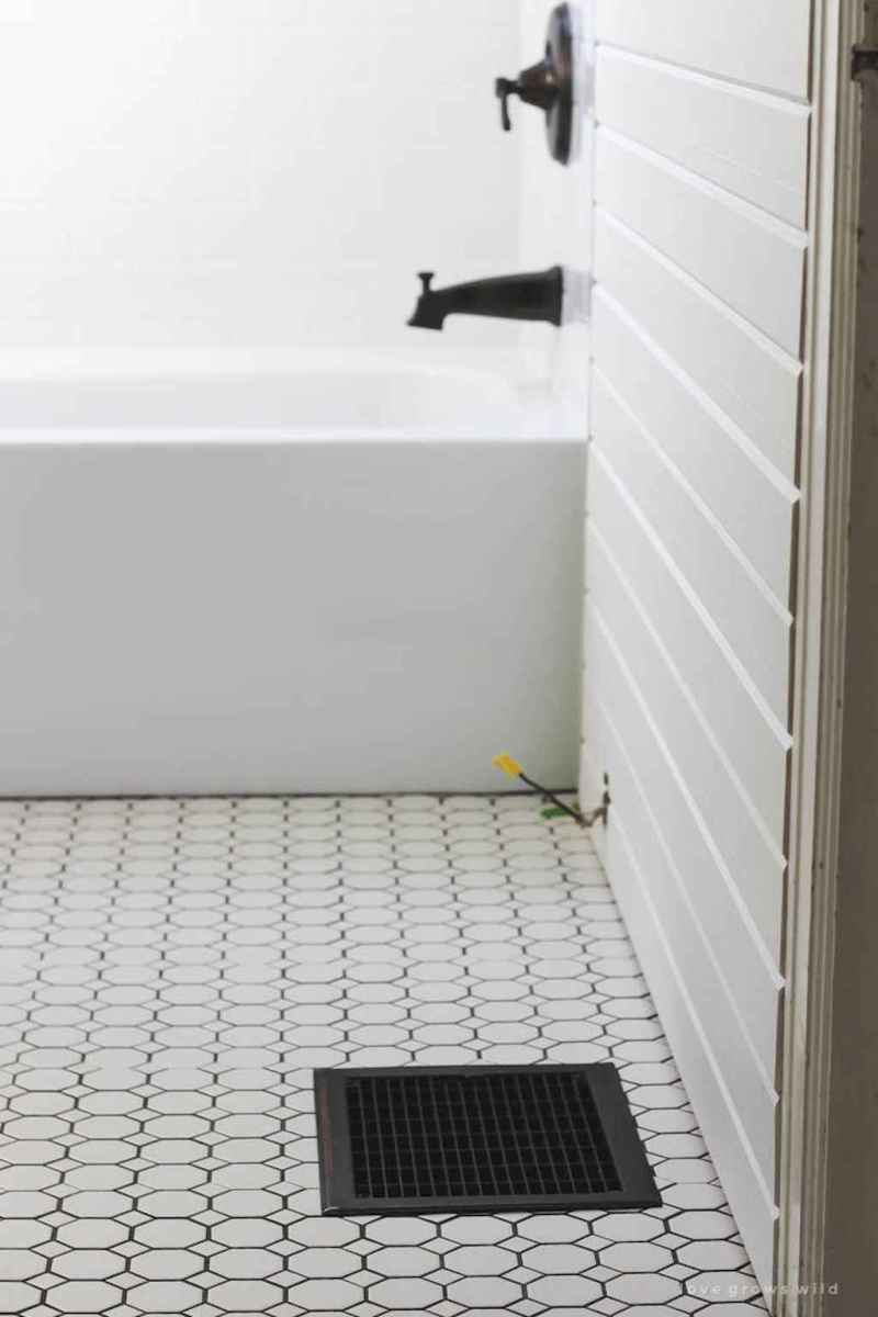 100 Farmhouse Bathroom Tile Shower Decor Ideas And Remodel To Inspiring Your Bathroom (23)