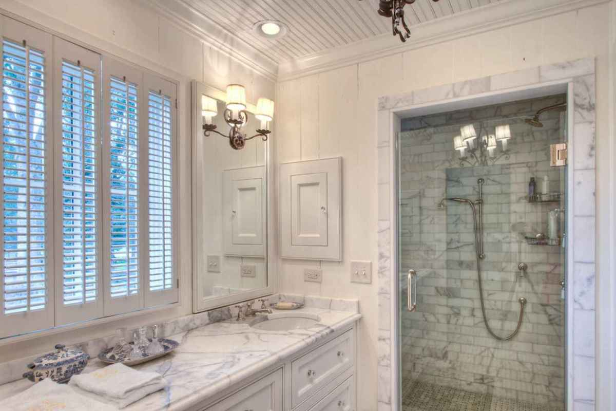 100 Farmhouse Bathroom Tile Shower Decor Ideas And Remodel To Inspiring Your Bathroom (71)