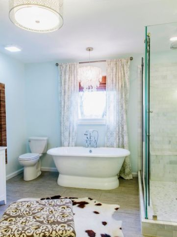 150 Awesome Farmhouse Bathroom Tile Floor Decor Ideas And Remodel To Inspire Your Bathroom (1)