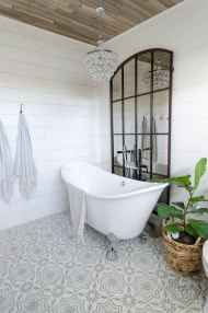 150 Awesome Farmhouse Bathroom Tile Floor Decor Ideas And Remodel To Inspire Your Bathroom (112)