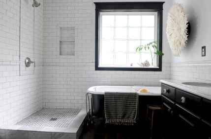150 Awesome Farmhouse Bathroom Tile Floor Decor Ideas And Remodel To Inspire Your Bathroom (51)