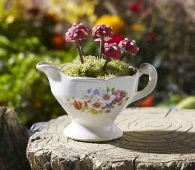 50 DIY Summer Garden Teacup Fairy Garden Ideas (28)