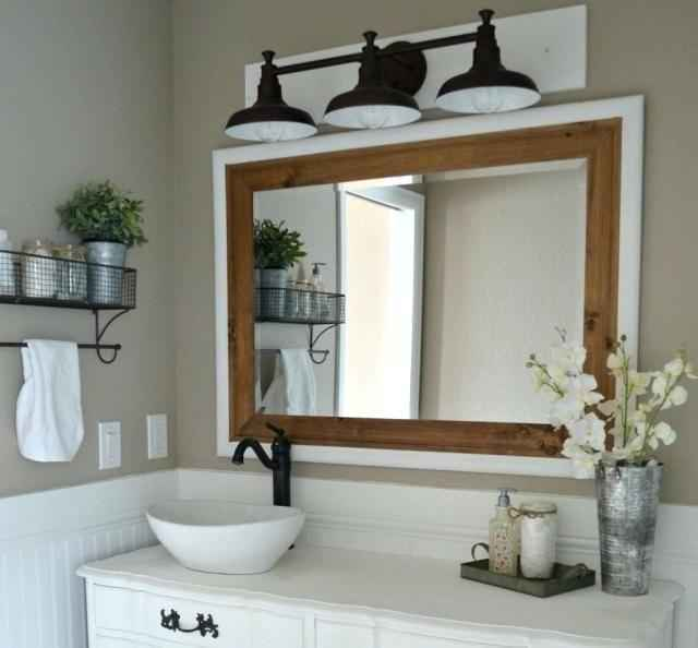 50 Lighting For Farmhouse Bathroom Ideas Decorating And Remodel (29)