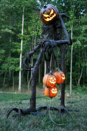 60 DIY Outdoor Halloween Decorations Ideas And Makeover (15)