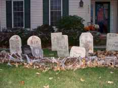 60 DIY Outdoor Halloween Decorations Ideas And Makeover (28)