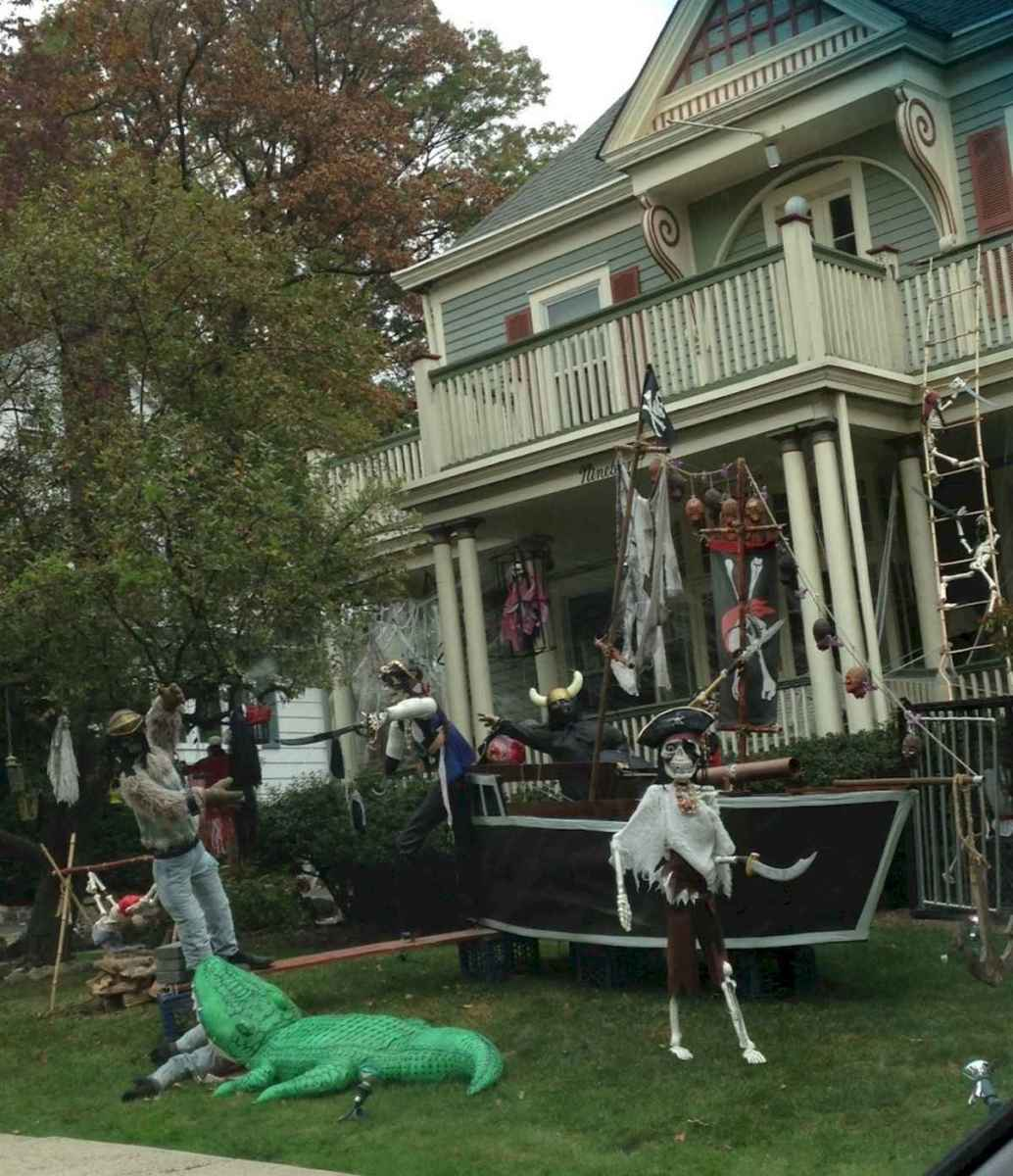 60 DIY Outdoor Halloween Decorations Ideas And Makeover (34)