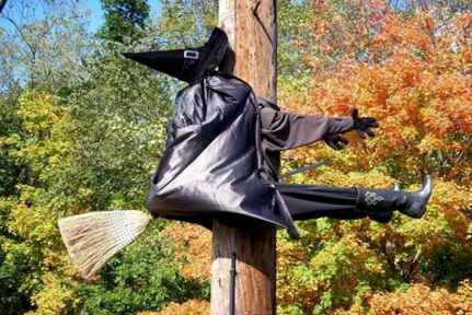 60 DIY Outdoor Halloween Decorations Ideas And Makeover (42)