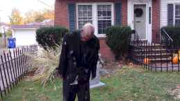 60 DIY Outdoor Halloween Decorations Ideas And Makeover (51)