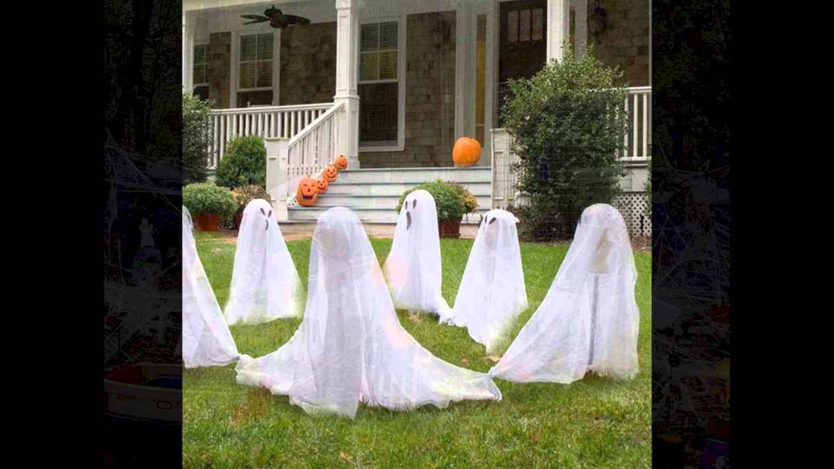 60 DIY Outdoor Halloween Decorations Ideas And Makeover (52)