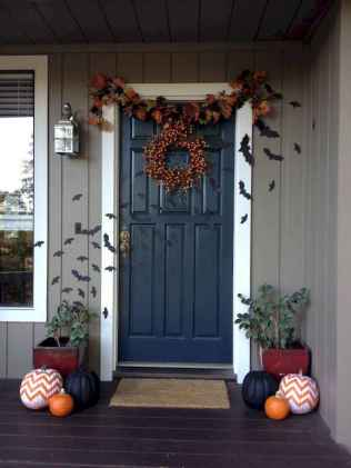 60 DIY Outdoor Halloween Decorations Ideas And Makeover (56)