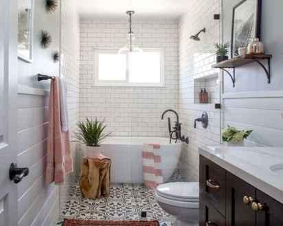 70 Inspiring Farmhouse Bathroom Shower Decor Ideas And Remodel (22)