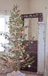 30 Rustic And Vintage Christmas Tree Decor Ideas (20)