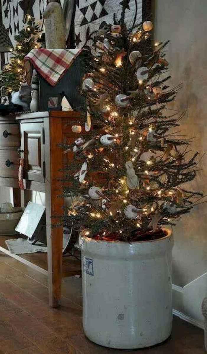 30 Rustic And Vintage Christmas Tree Decor Ideas (6)