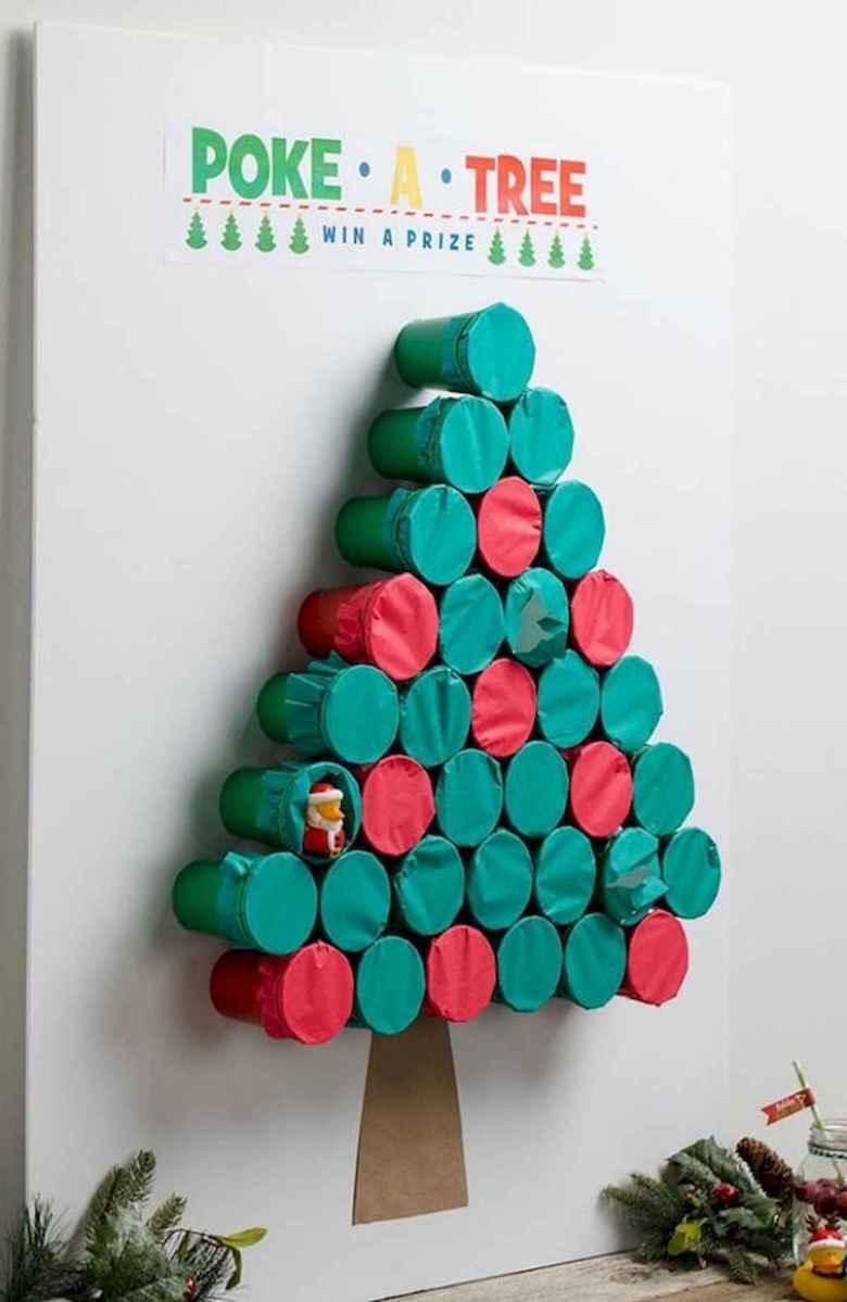 35 Awesome Apartment Christmas Decor Ideas (4)