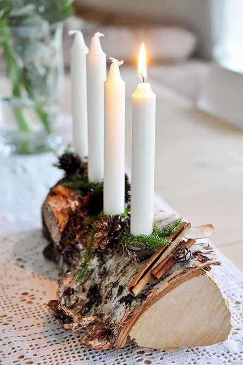 35 Beautiful Christmas Decor Ideas Table Centerpiece (11)