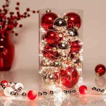 35 Beautiful Christmas Decor Ideas Table Centerpiece (6)