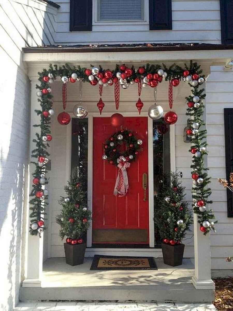 40 Amazing Outdoor Christmas Decor Ideas (16)