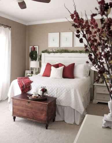 40 Awesome Bedroom Christmas Decor Ideas (20)