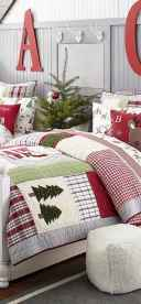 40 Awesome Bedroom Christmas Decor Ideas (7)