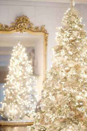 40 elegant christmas tree decor ideas 26 - Elegant Christmas