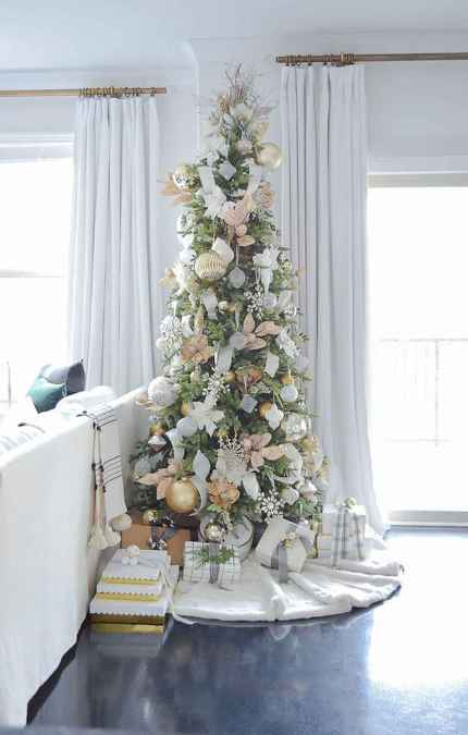 40 Elegant Christmas Tree Decor Ideas (37)