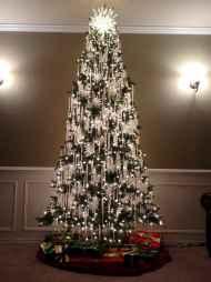 40 Unique Christmas Tree Decor Ideas (34)