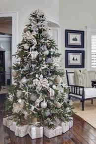 40 Unique Christmas Tree Decor Ideas (5)