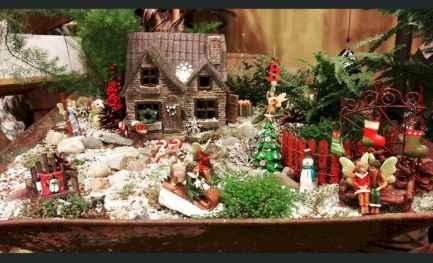 45 Beautiful Christmas Fairy Garden Decor Ideas (18)