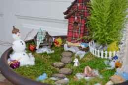 45 Beautiful Christmas Fairy Garden Decor Ideas (43)