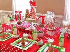 50 Stunning Christmas Table Dining Rooms Decor Ideas (21)