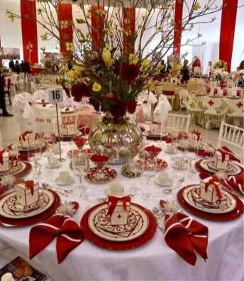 50 Stunning Christmas Table Dining Rooms Decor Ideas (35)