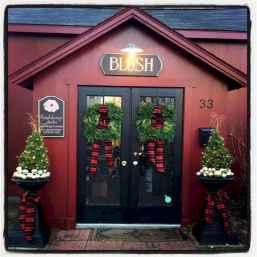 50 Stunning Front Porch Christmas Lights Decor Ideas (31)