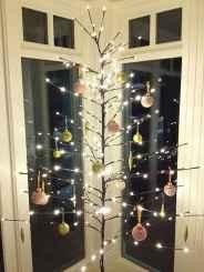 60 Awesome Christmas Tree Decor Ideas (35)