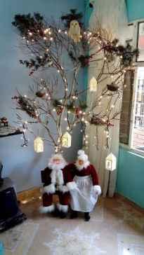 60 Awesome Christmas Tree Decor Ideas (46)