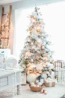 60 Awesome Christmas Tree Decor Ideas (56)