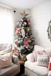 60 Simple Living Room Christmas Decor Ideas (18)