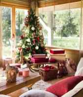 60 Simple Living Room Christmas Decor Ideas (21)