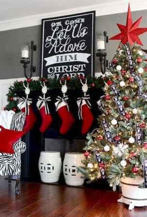 60 Simple Living Room Christmas Decor Ideas (26)