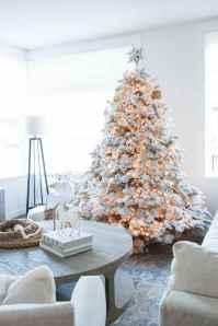 60 Simple Living Room Christmas Decor Ideas (43)