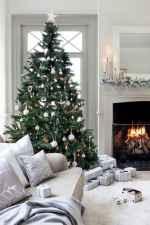 60 Simple Living Room Christmas Decor Ideas (46)