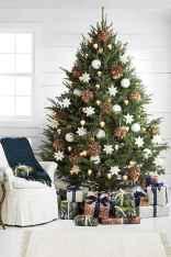 60 Simple Living Room Christmas Decor Ideas (56)