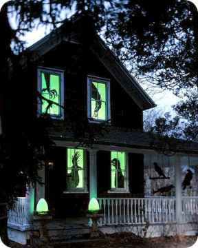15 Creative Halloween Window Decoration Ideas (15)