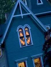 15 Creative Halloween Window Decoration Ideas (2)