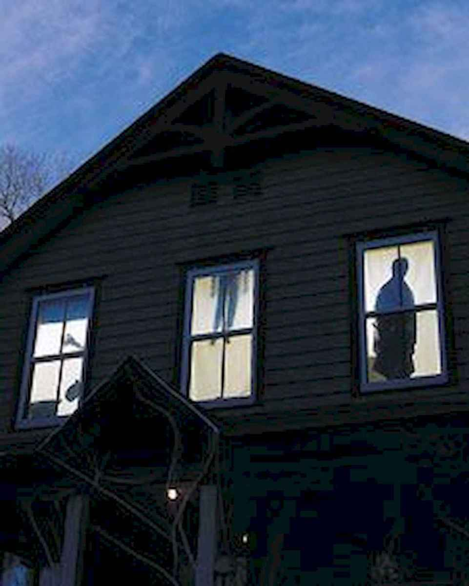 15 Creative Halloween Window Decoration Ideas (5)