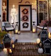 22 Chilling and Creative Halloween Porch Decorations (9)