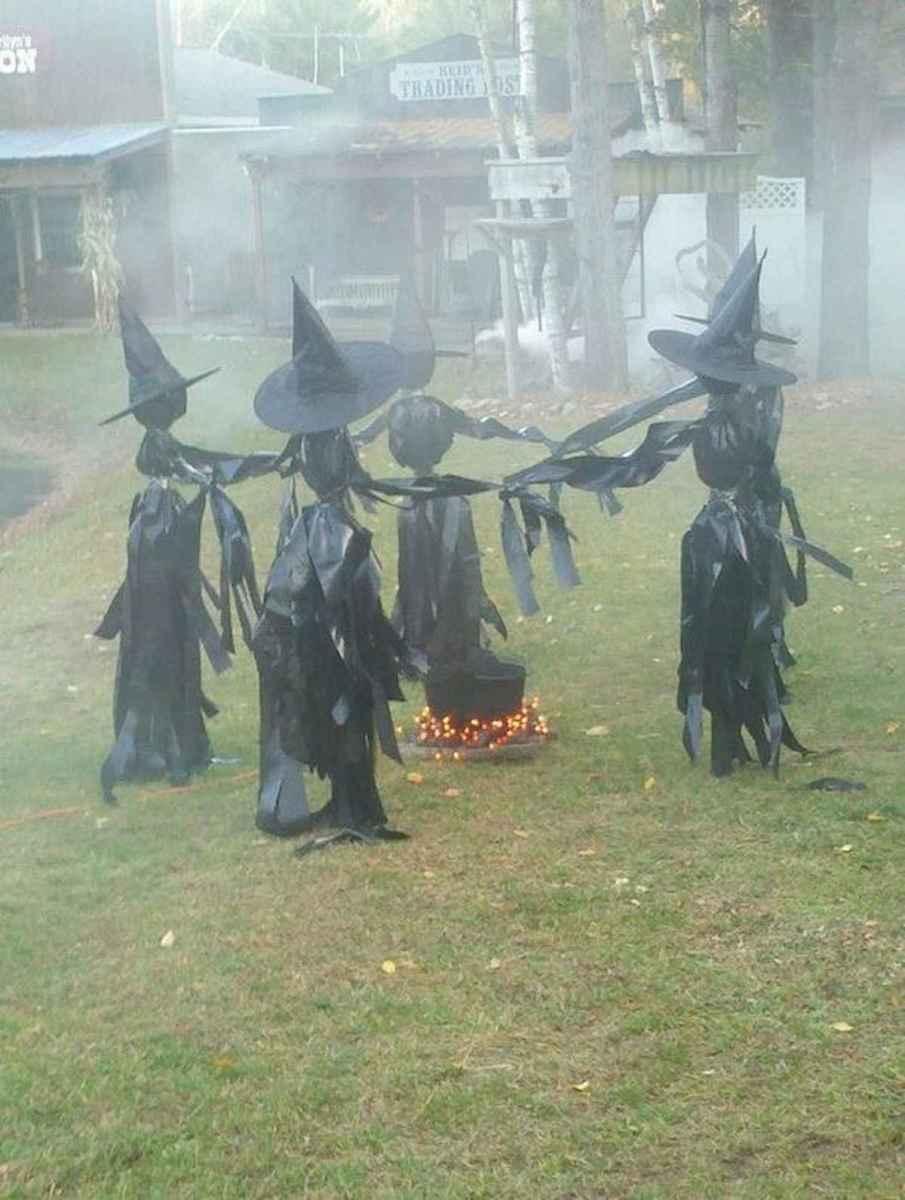 35 Best Creative DIY Halloween Outdoor Decorations for 2018 (34)